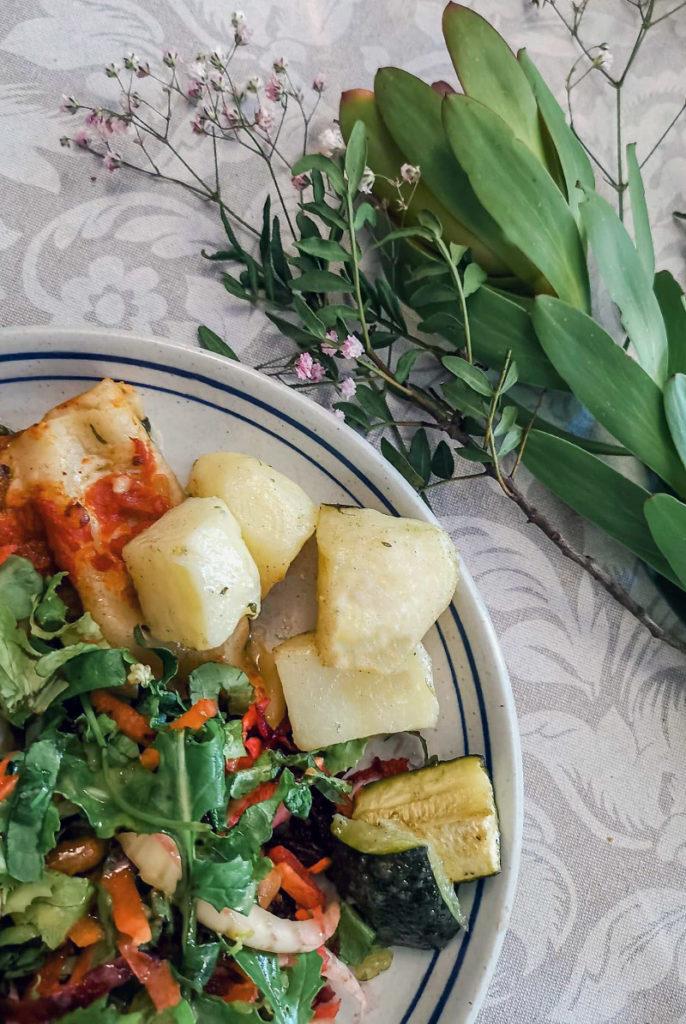Plato de verduras para comida en workshop